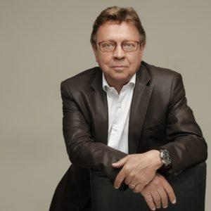 Portrait de Maurice Timon créateur de la marque de lunettes Minima