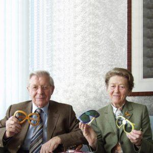 Couple Schmied créateurs de la marque de lunettes Silhouette dans leur salon