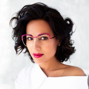 Portrait de Caroline Abram créatrice de la marque de lunettes