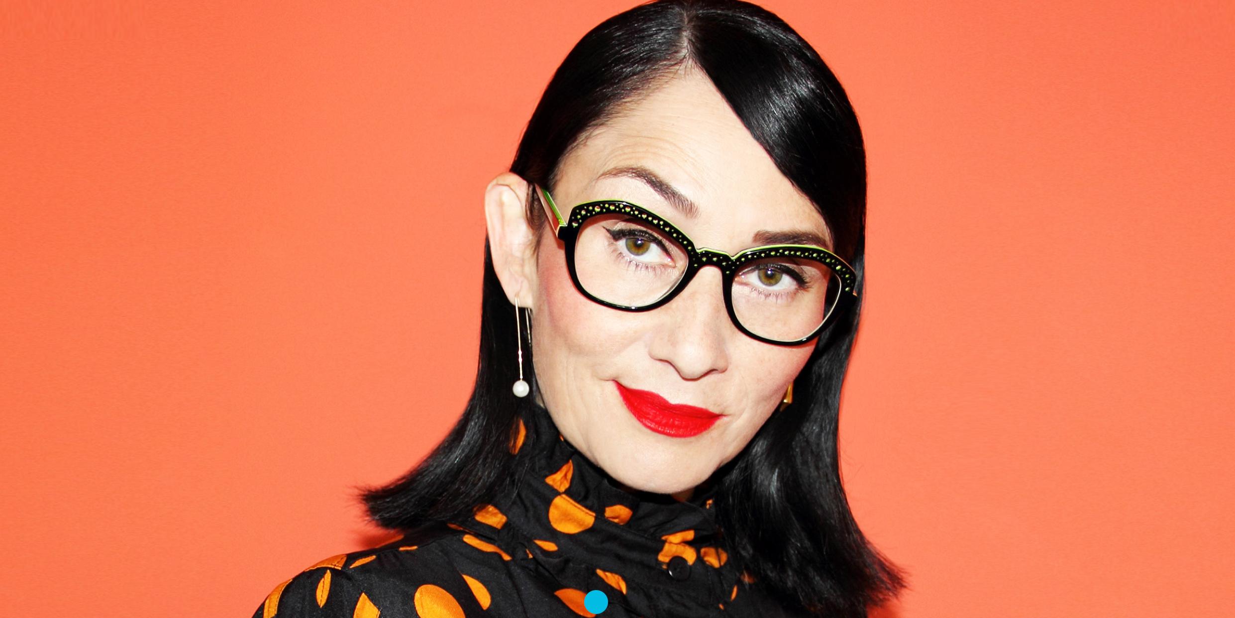 campagne 2019 pour la marque de lunettes LA. Eyeworks, Rose Apodaca porte le modèle Ocotillo noir