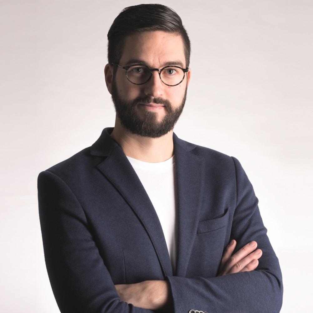 Portrait de Michael, designer des lunettes Lunor